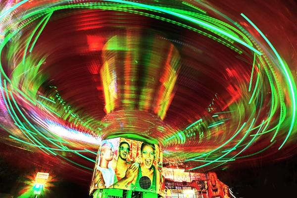 spinning by AlexandraSD