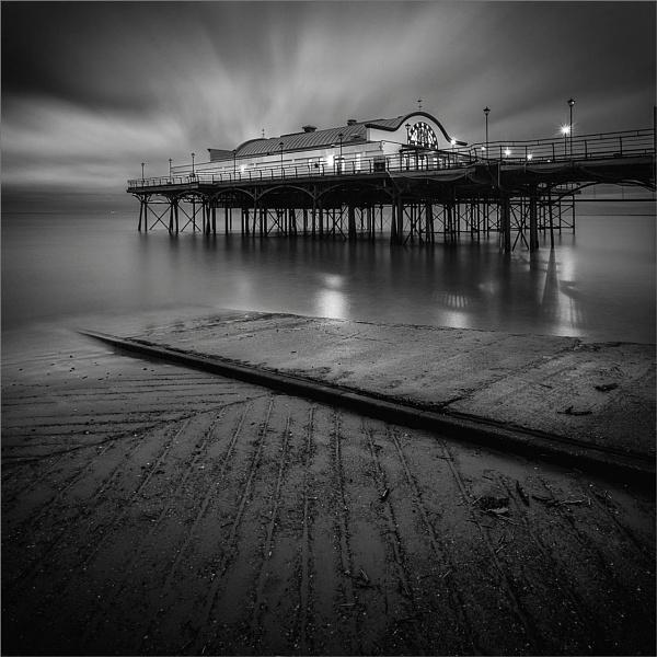 Cleethorpes Pier, N.E. Lincolnshire by DaveTurner