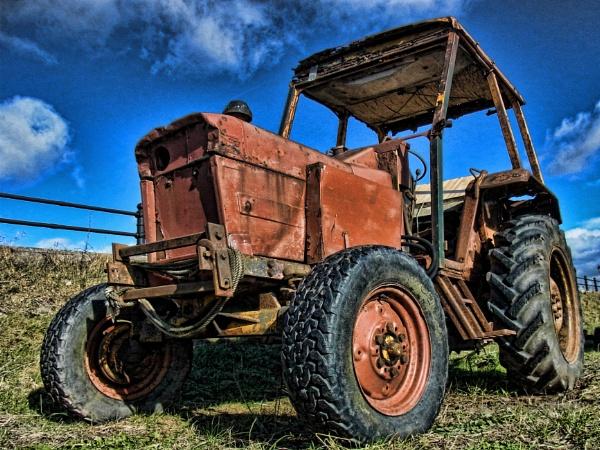 Red Shrimping Tractor v2 by jonlonbla