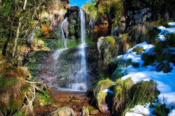 Turn Lowe Waterfall by georgehopkins
