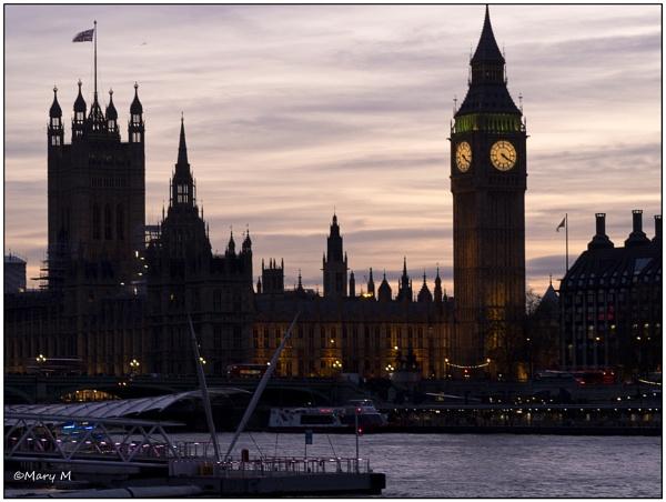 Dusk over London by marshfam19