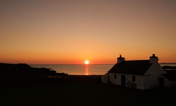 Aberffraw Sunset by DilysT