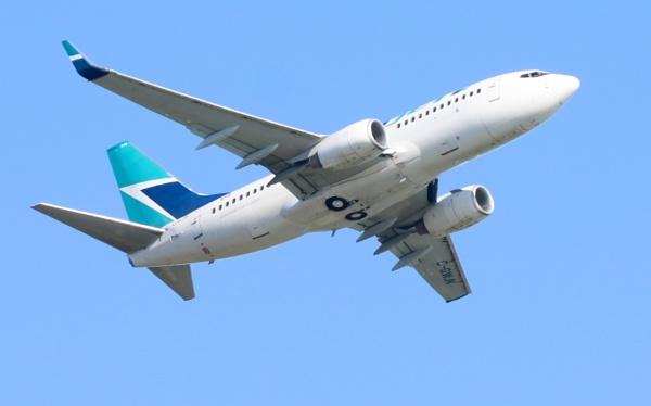 Westjet  Airlines by tonyguitar
