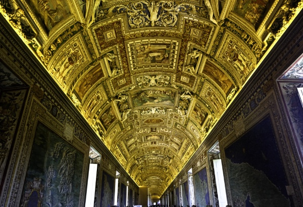 golden ceiling by BelloBaer