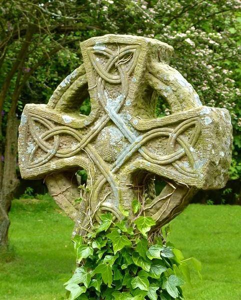 Celtic Cross by BarbaraR