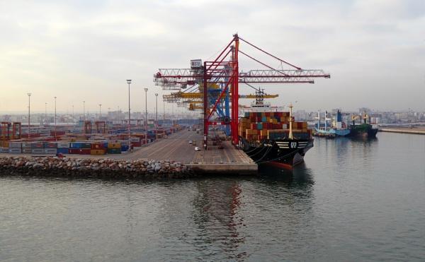 Industrial Port of Cassablanca by daviewat