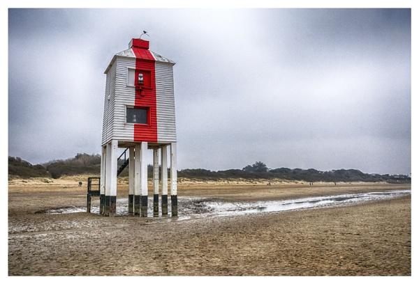 Burnham on Sea lighthouse by deavilin