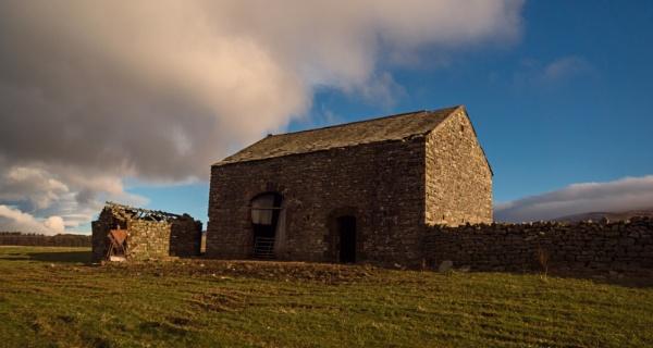 Old Barn by BillRookery