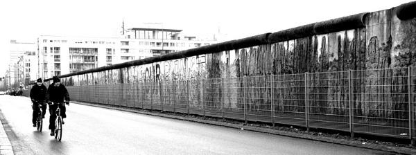 Cycling at the wall by PaulSR