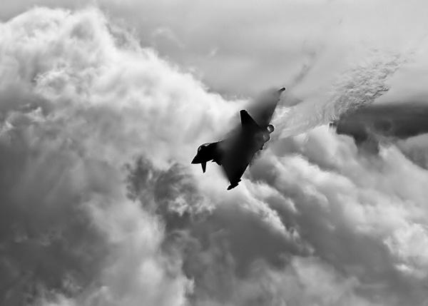 Typhoon by lawbert