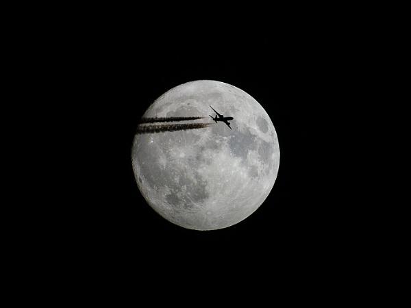Moon Landing by DJLeroy