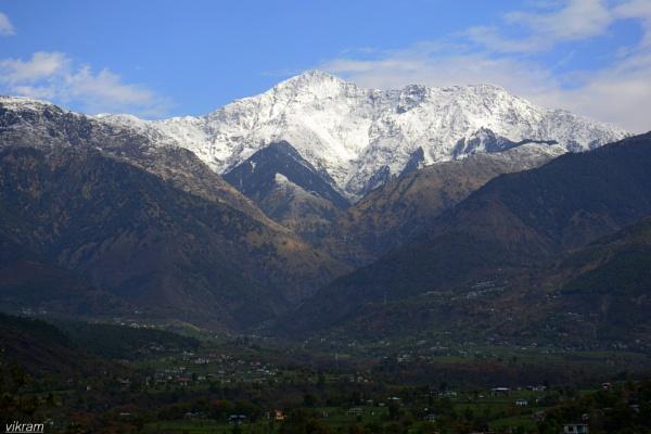 Magic of Dhauladhar Peaks by Bantu