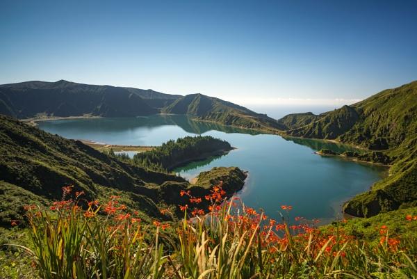 Lagoa do Fogo by Andrusch1810