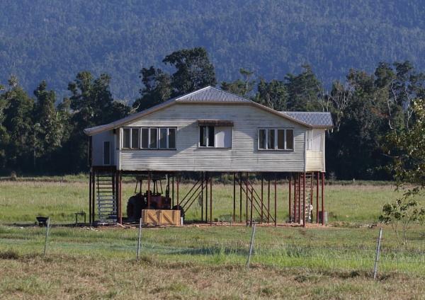 Queensland Architecture by NeilSchofield