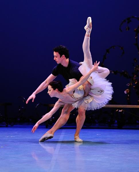 Taylor Gill (Aurora), and Kealan McLaughlin (Florimund) by DouglasMorley