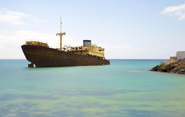 ship wreck by bigjim147