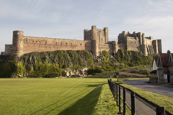 Bamburgh Castle by yultony