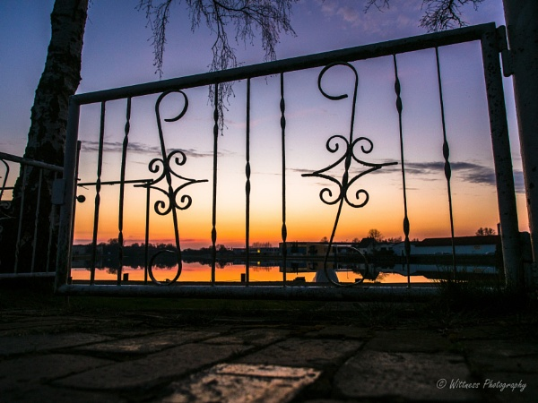 Sailers club fence view by phonocar