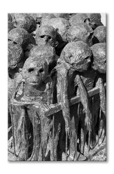Marc Petit sculpture  by chataignier