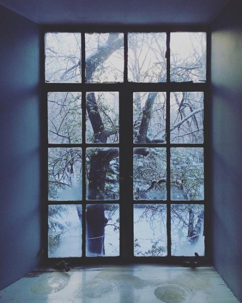Cold by rebekkaroshon