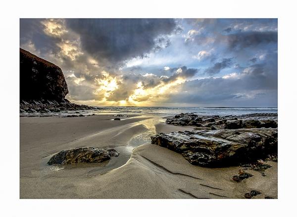 Chapel Porth Beach, Cornwall by robdebank