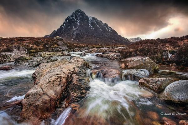 A stormy afternoon by Tynnwrlluniau