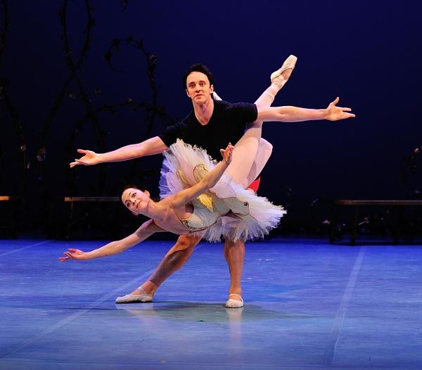Taylor Gill (Aurora), and Kealan McLaughlin (Florimund)02 by DouglasMorley