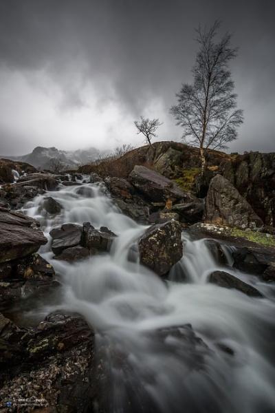 Llyn Idwal Waterfall by St1nkyPete