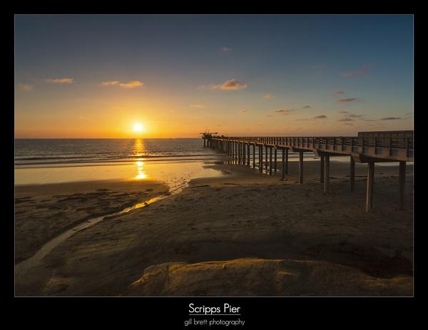 Scripps Pier by GillyB
