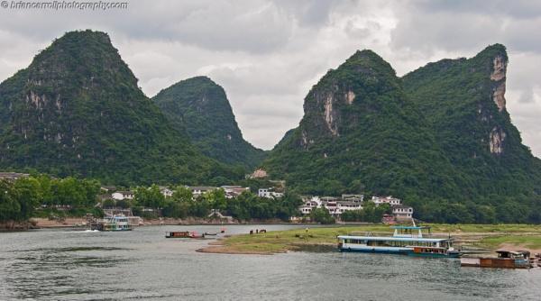River Li , Guilin, Southern China by brian17302