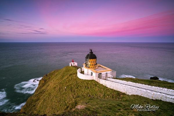 St Abbs lighthouse dusk by Mike_Ridley