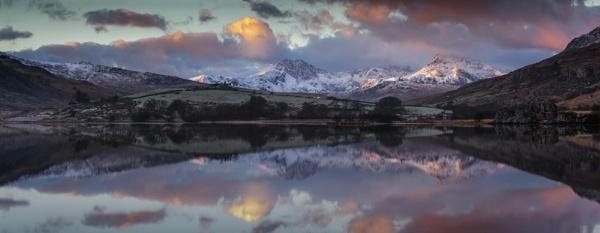 Winter Snowdon Horseshoe reflected in Llynnau Mymbyr by J_Tom