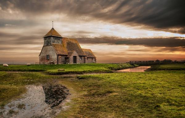 ST THOMAS a BECKET CHURCH by paulfarina