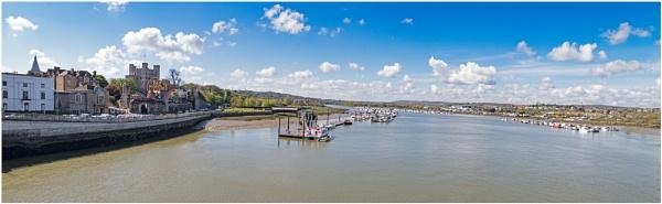 Sunny Medway by capto
