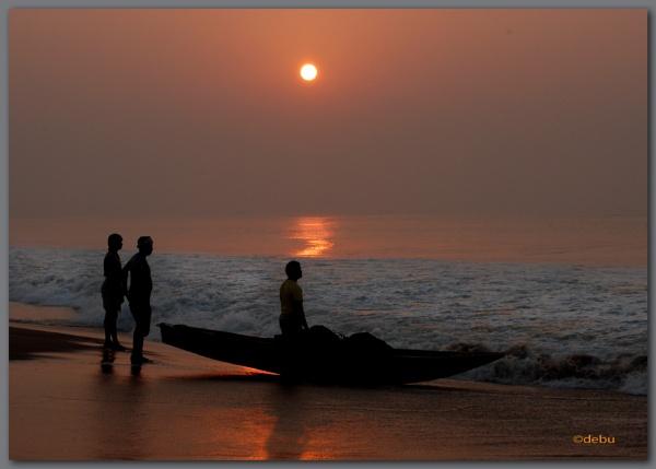 Sunrise at Puri Sea Beach (India). by debu