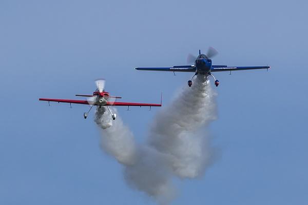Global Stars aerobatic team by CanonMan