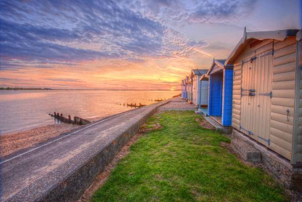 beach huts by jayhyk