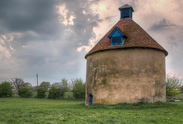 Kinwarton Dovecote by ColinScott