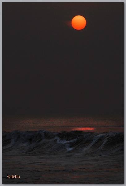 Sunrise at Puri Beach by debu