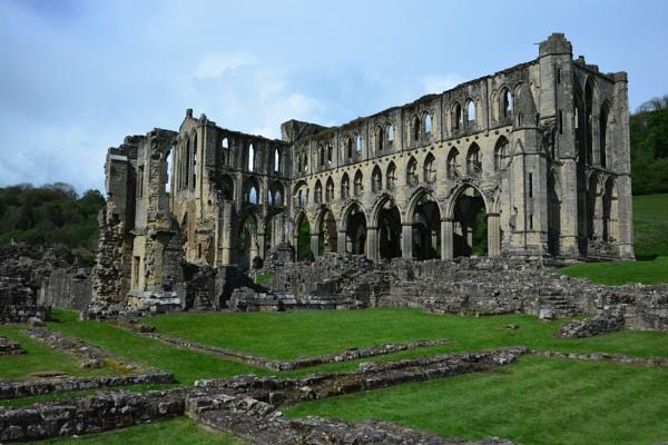 Rievaulx Abbey by jimbob133