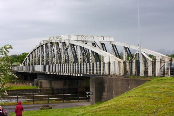 Swing Bridge by ddolfelin