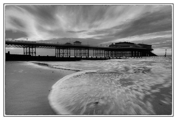 Cromer Pier at dusk by malleader