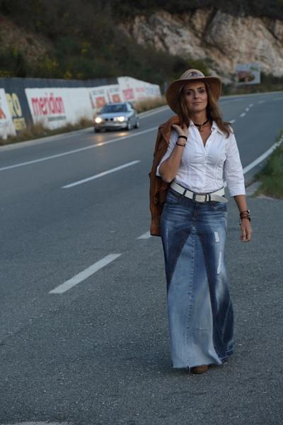 Hitchhiker 2 by xenija