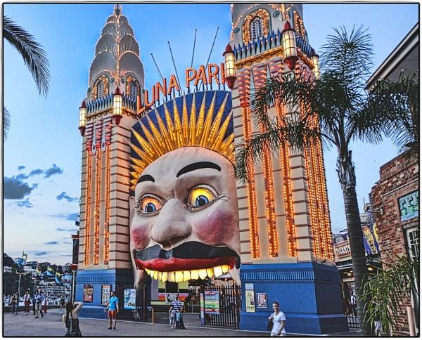 Luna Park. by WesternRed