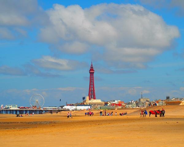 Blackpool Beach by victorburnside