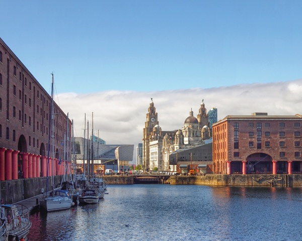 Liverpool by victorburnside