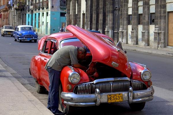 Havana - Roadside Repair by mcgoo