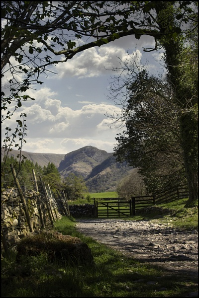 Eagle Crag from Rosthwaite. by Niknut