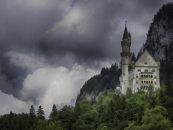 Neuschwanstein Castle by CraigWalker