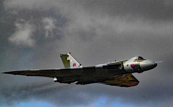 Avro Vulcan by pat_hopkins